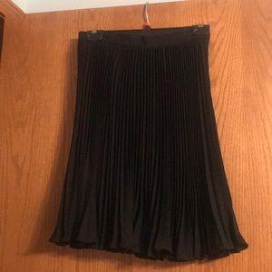 Linda Allard Ellen Tracy black pleated skirt